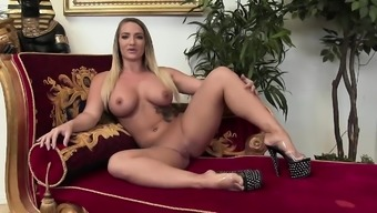 Sexy babe gets to fuck her man