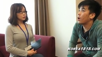 KOREA1818.COM - korean Cutie in glasses