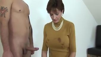 Lady Sonia Leggings, Suck, Handjob & Cum!