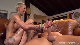 Perfect tattooed body of Bella Bellz used for a hardcore anal pounding