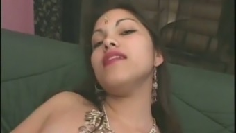 Curvy brunette Indian prostitute gives blowjobs in threesome