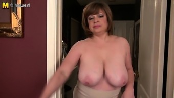 Mature american milf with saggy fa Pearly from 1fuckdatecom