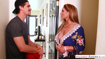 Dude peeps on hot MILF Eva Notty masturbating and can't help himself