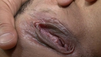 Japanese mom likes younger guy pleasing her vag