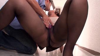 Kinky Asian slut Shibasaki Yuri in sexy pantyhose blows a cock