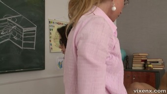 Lina Napoli and another secretary in glasses give head to a hunk
