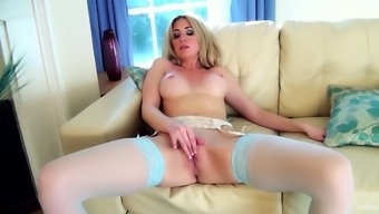 Spectacular Perri Doran Masturbates In An Erotic Way