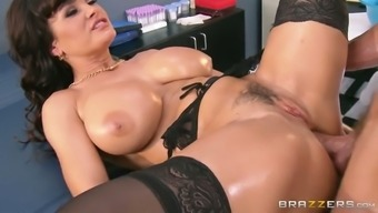 Oversexed brunette milf gets her cunt fucked in doggy and missionary positions