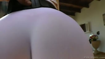 Curvy dirty-minded auburn MILF in yoga pants shows off her bubble ass
