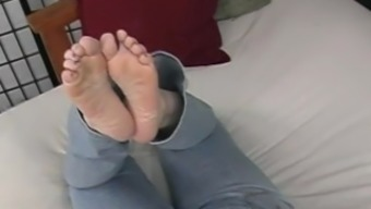 Milf Feet and Facial Part 2