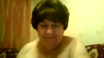 This fat mature woman with big saggy breasts knows how to chat