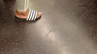Candid ebony bbw meaty feet and mature ebony foot on train