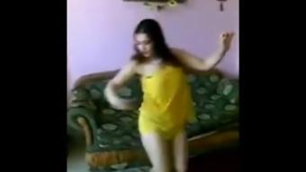 Arab Teen Dance in Yellow