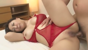 Big breasted slutty Japanese MILF wanna take double cock penetration