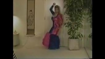 Dancing Queens ( Mega-Boobs )