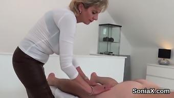 Unfaithful british mature lady sonia displays her massive ju
