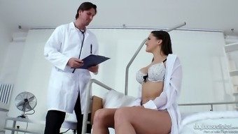 Fucking hot Czech babe Barbara Bieber gets intimate with perverted doctor
