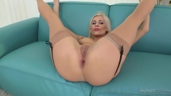 Sweet Eveline Dellai and her friends like to play with their cunts