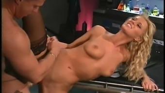 Hot sex goddess Raylene wants to feel a massive member