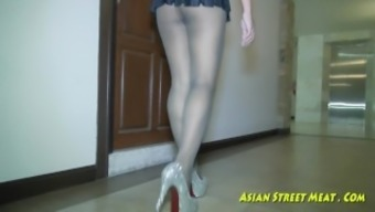 Sweet And Obedient Asian Floor Cleaner