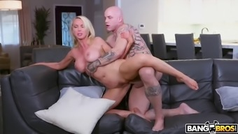 Nikki benz gets her pipes fixed