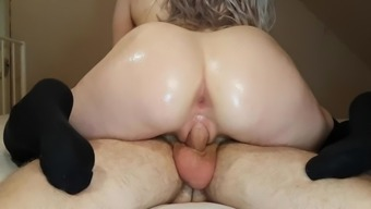 HOT CHICK GETS FUCKED THEN GETS HORNY AND RIDES BIG DICK PASSIONATELY