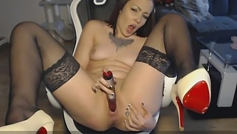 VISIT-X Squirting mit junger Pussy