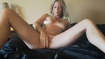 Squirt girl