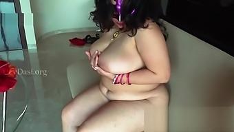 Cheating Mallu Wife Shriya Aunty Fucking Her Secret Lover - Indian Wife Sex