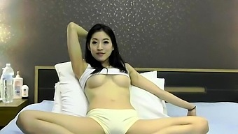 Chinese Teen Fucked By Big Asian Dick