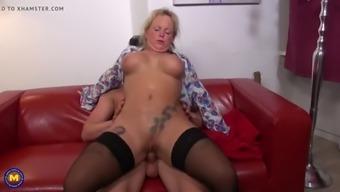 Big ass mature wives fucks lucky boys