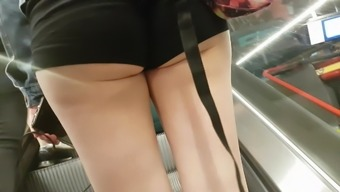 Upshorts and candid ass
