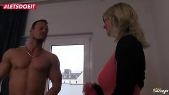 LETSDOEIT - Cougar Aunt Fucks Her Virgin Step-Nephew
