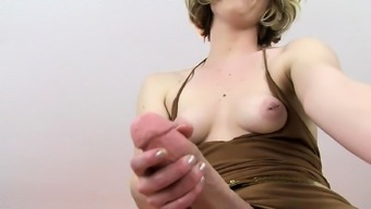 Toy loving babe fingers her tight pussy