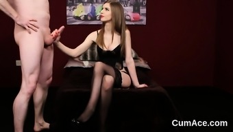Wacky stunner gets cumshot on her face swallowing all the lo