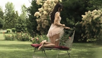 Beautiful ass fingering and rimming in the garden