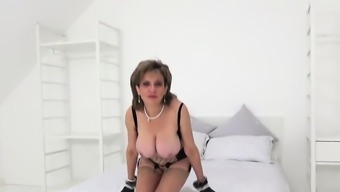 Unfaithful english mature lady sonia pops out her lar92obf