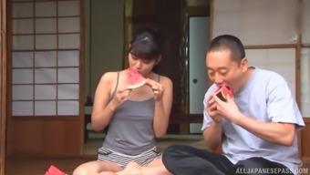 Jinguuji Nao enjoys sucking friend's penis like tomorrow never comes