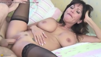 Posh mother suck and fuck lucky boy