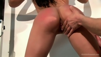 Sporty boxer with sexy curves Aletta Ocean gives such a sensual blowjob