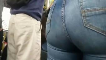 Big ass in bus