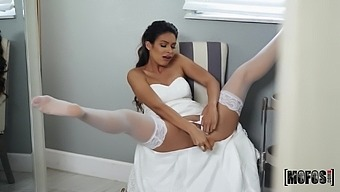 Katana Kombat feeds her pussy and mouth with strong friend's penis