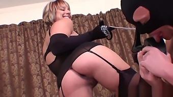 Brianna Sexy Stockings Footjob