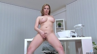 Desirable cougar Daria Glower loves playing in the office. HD