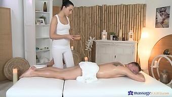 Sensual massage turns into hardcore fucking with sexy Anna Rose