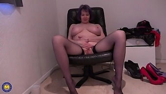 Mature mother with perfect posh body