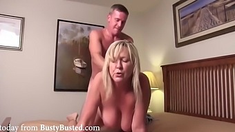 Son gives sex to mom