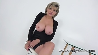 Aunt Sonia invites you over after catching you wanking