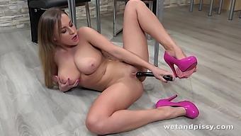Ukrainian model with E-cup boobs Josephine Jackon is pissing and masturbating