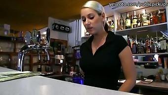 Damn hot amateur Lenka fucked for cash
